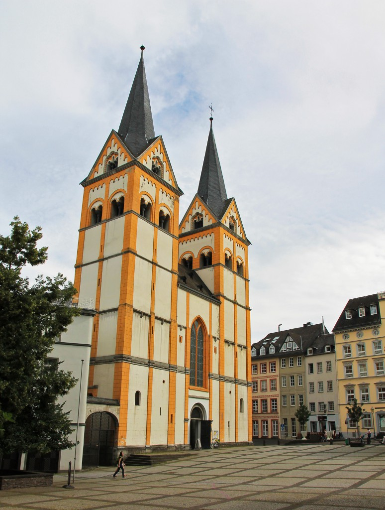 The yellow Florinskirche in Koblenz.