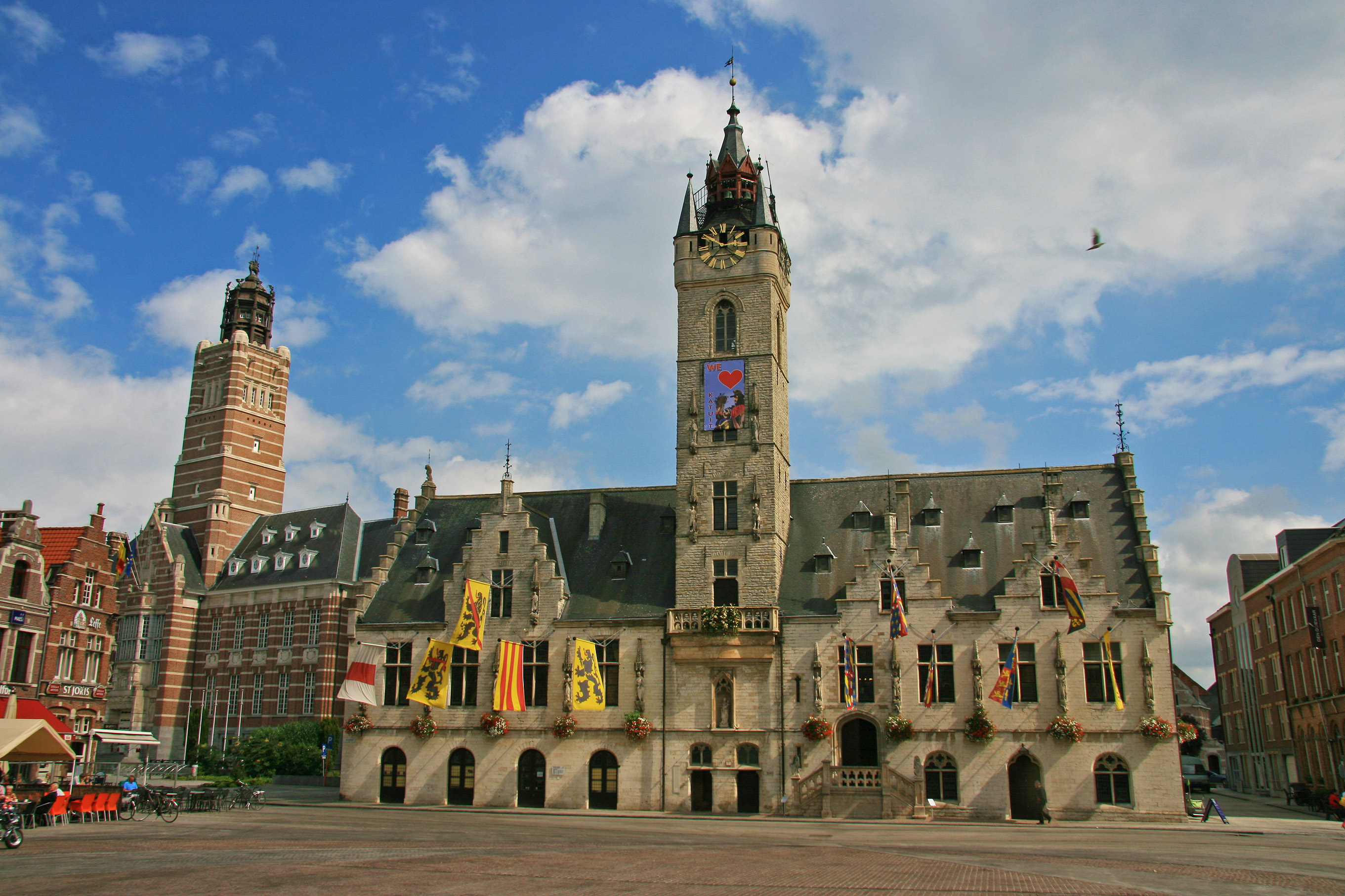 The belfry of Dendermonde shows that a belfry is not always an isolated tower.