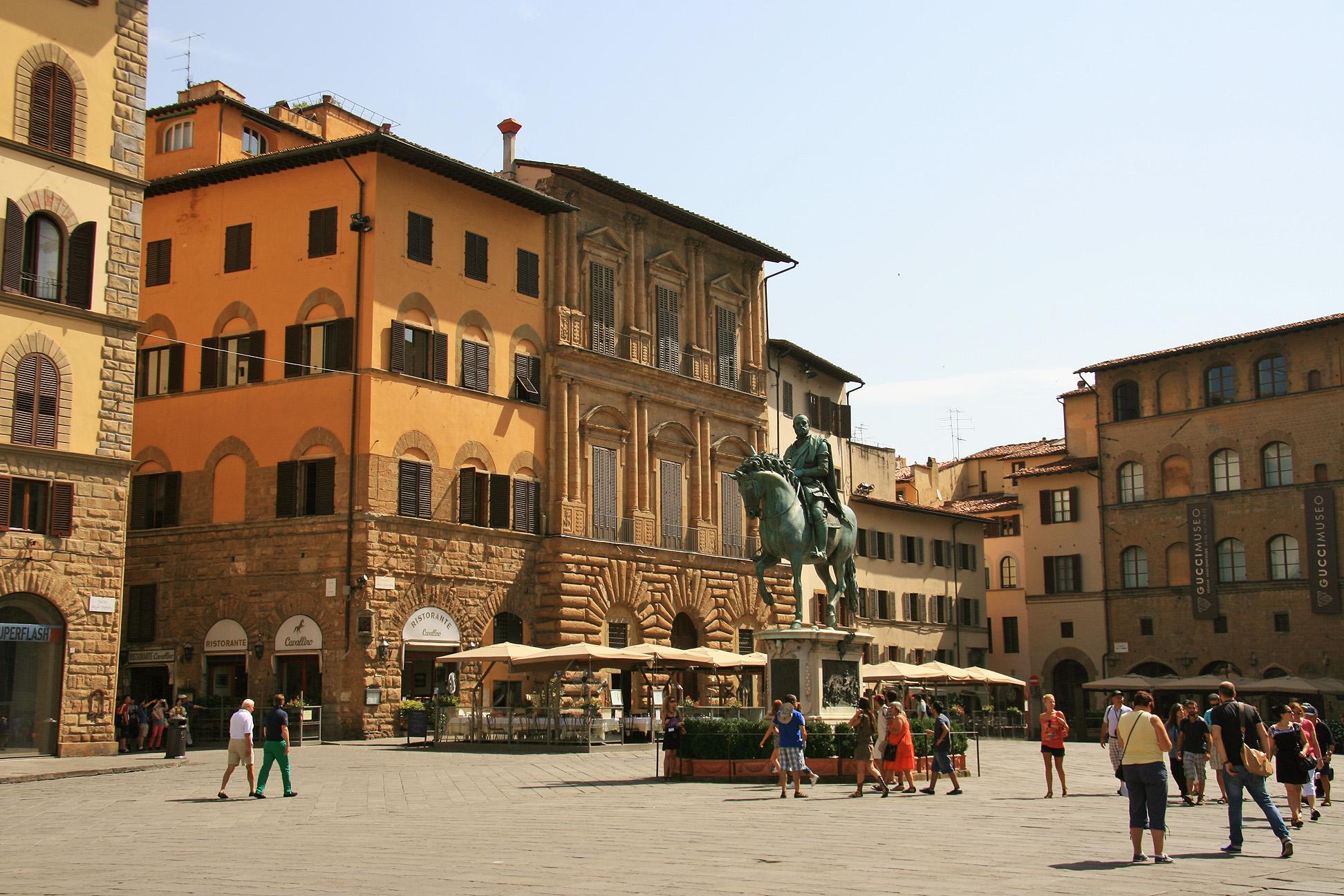 Piazza della Signoria with the equestrian statue of Cosimo I.