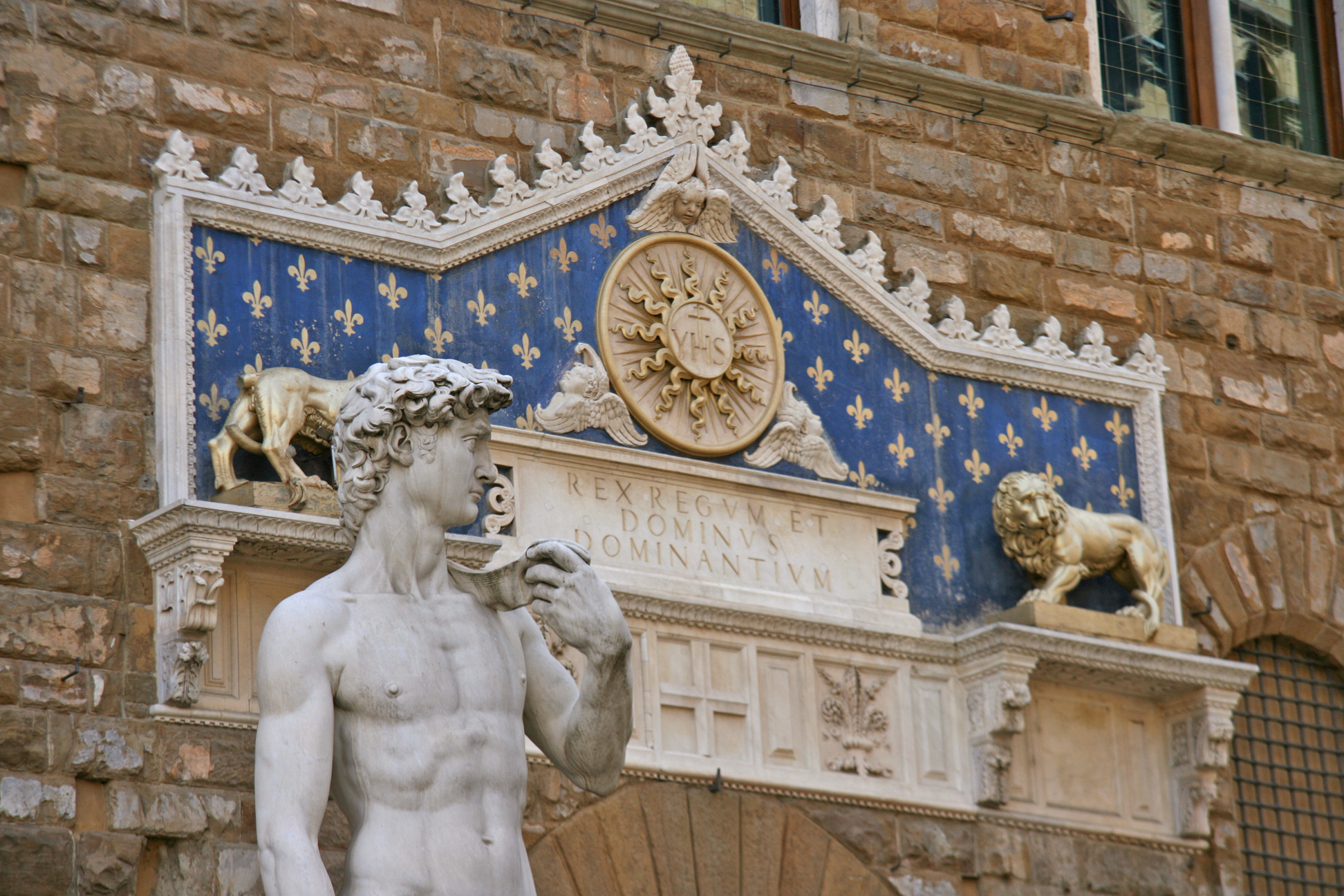 David of Michelangelo (copy) at the entrance of the Palazzo Vecchio.