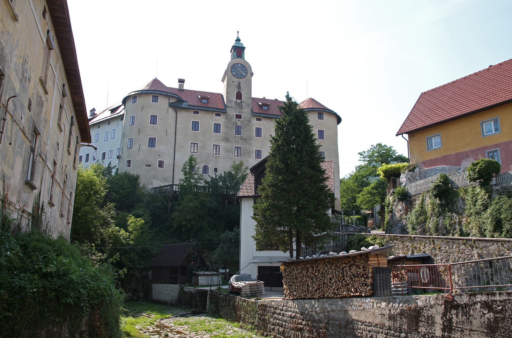 The Gewerkenegg castle: once the administrative headquarters and warehouse of the Idrija mine, now a museum.