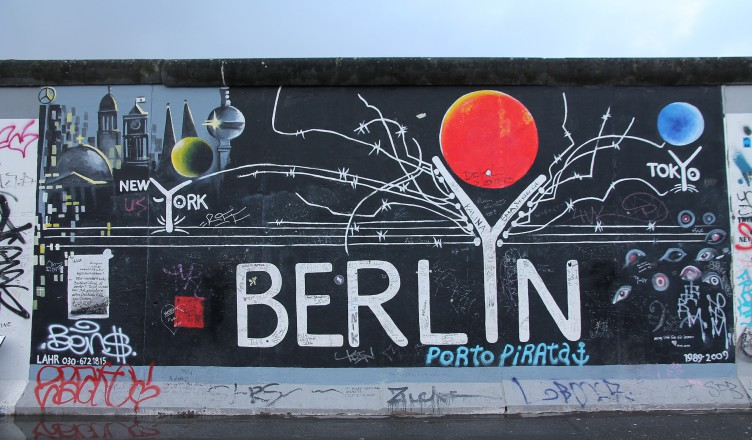 High Quality In Our Latest Blogpost, We Told The Sad Story Of The Berlin Wall As We Saw  It During Our Recent (December 2014) City Trip. While That Post Might Have  Been ...