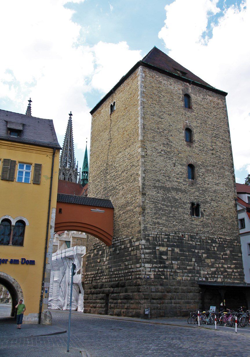 """Römerturm""."