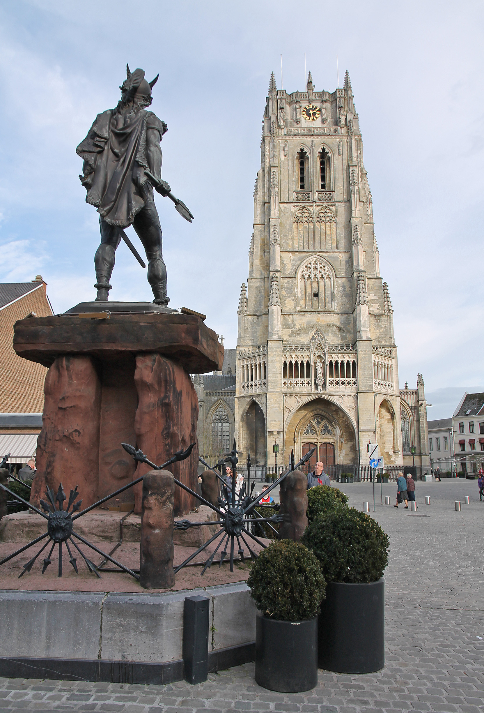 Ambiorix, leader of the Eburones tribe, has a pretty nice view of the belfry of Tongeren.