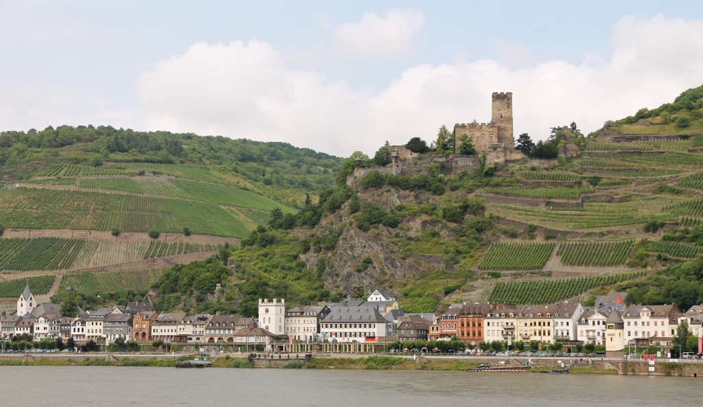 Kaub and the castle of Burg Gutenfels. Note the numerous vineyards on the slopes.