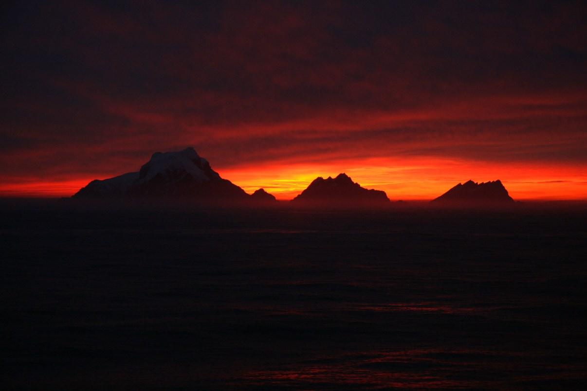 Setting/rising sun.