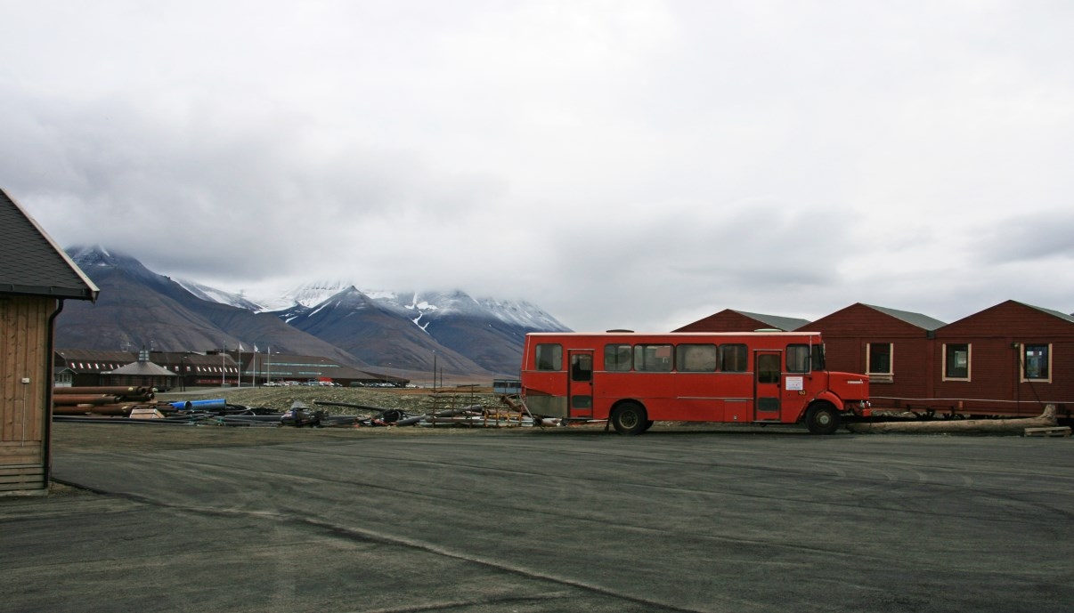 My only photo of Longyearbyen. Dull place if you ask me...