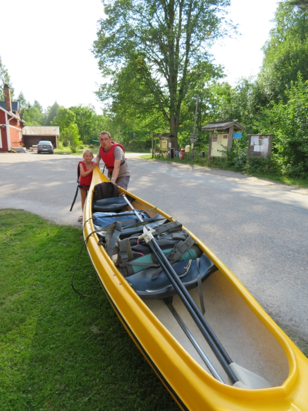 Starting our canoe adventure!